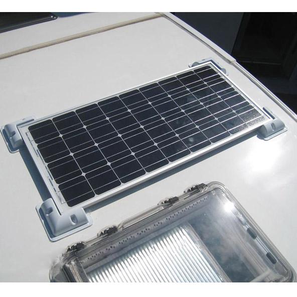 Systeme de montage pour panneau solaire sur camping car